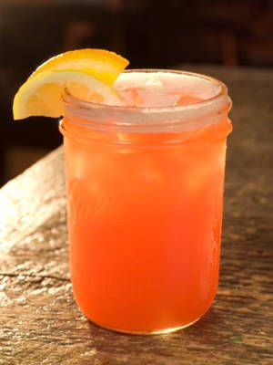Palmetto Punch (Spiced rum, coconut rum, Pineapple juice)