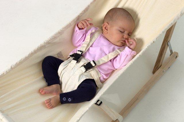Die Amazonas Baby-Hängematte Koala - Set inklusive Gestell und Hängematte - online kaufen bei mypram.com