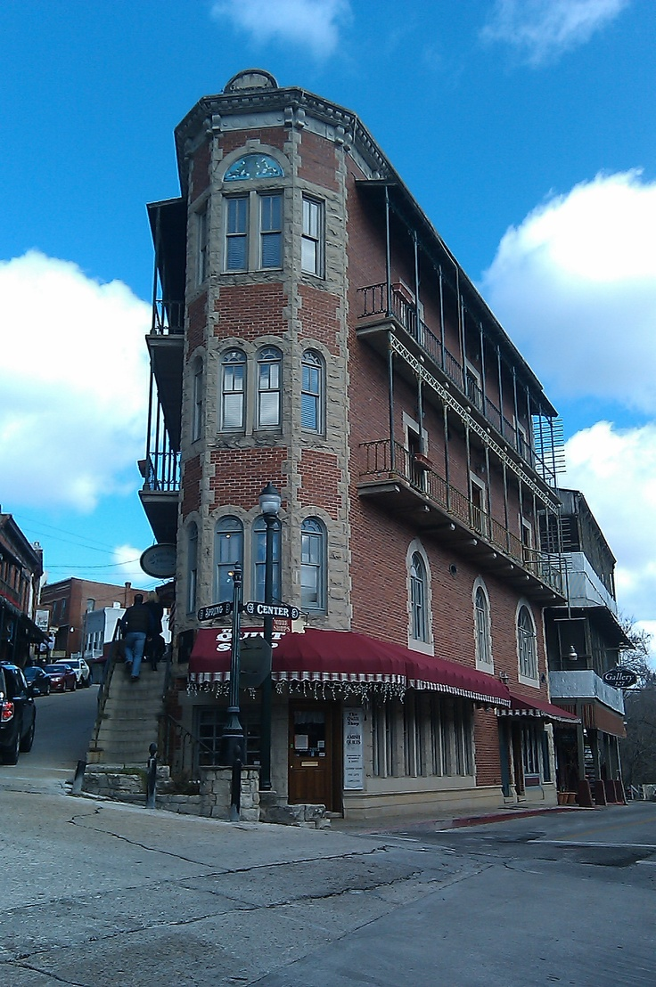 The New Orleans Hotel Eureka Springs
