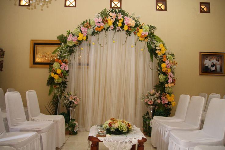 DIY engagement arch flower