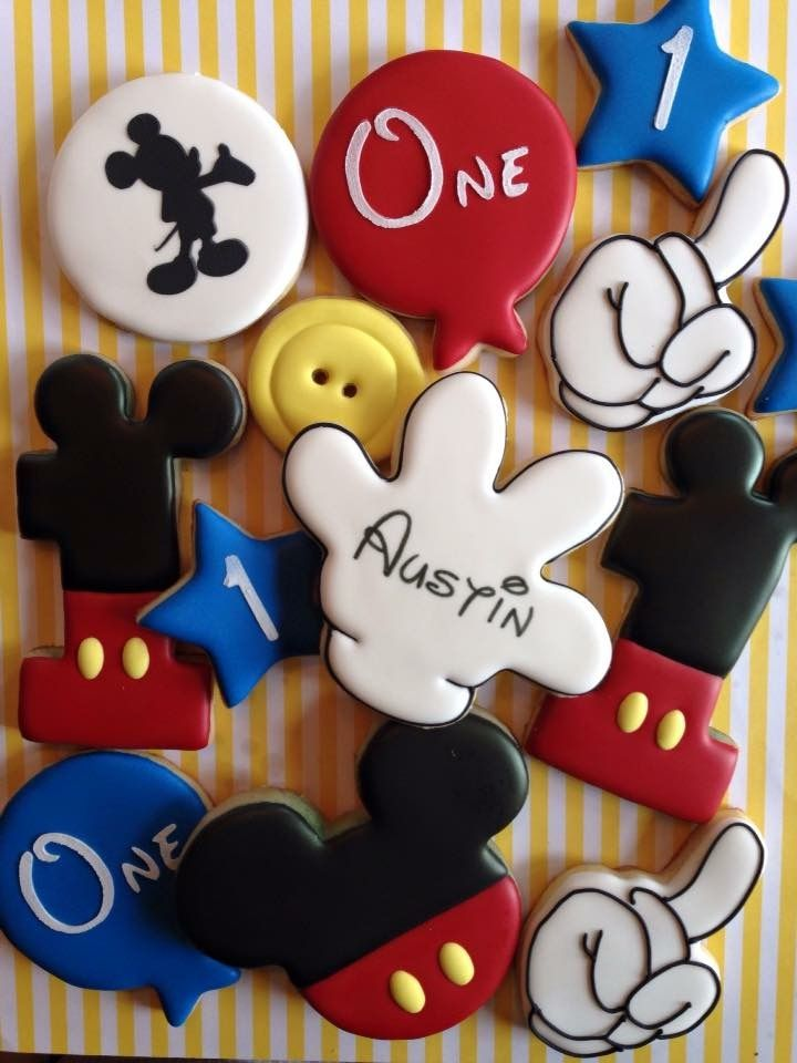 Mickey Mouse cookies by My Nana's Nibbles