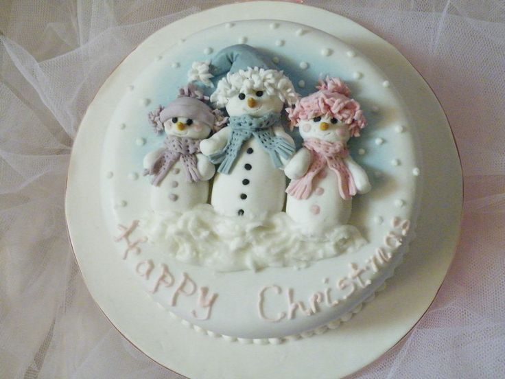 'Snowfamily' Cake - by CakeHeaven @ CakesDecor.com - cake decorating website