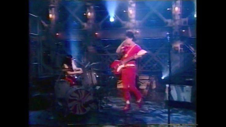 The White Stripes - Live On A Late Night Comedy Show