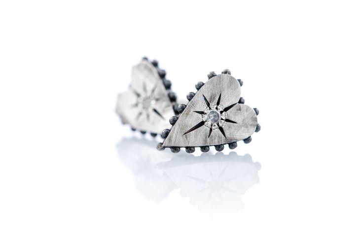 Earrings with studs and ice diamonds! #diamonds #jewels #ottojewels