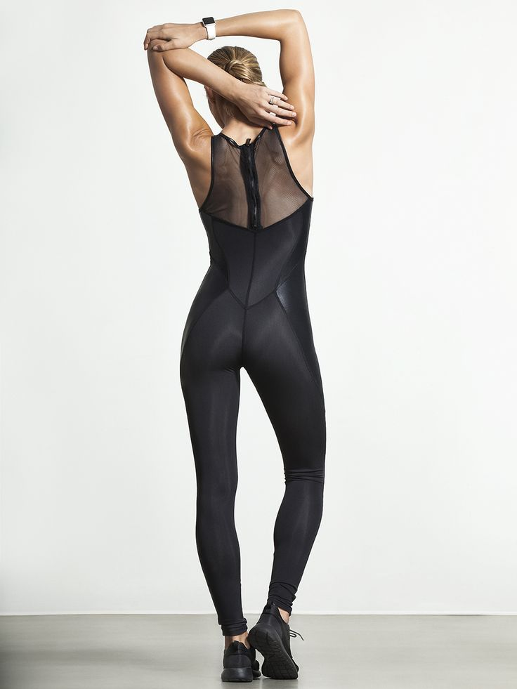 This Catsuit can literally do it all. The high-performance fabric is designed with on-the-go fashion options in mind, and by utilizing compression fabric and strategically placed contrasting panels, this catsuit works just as well in yoga class as it does paired with some killer heels.