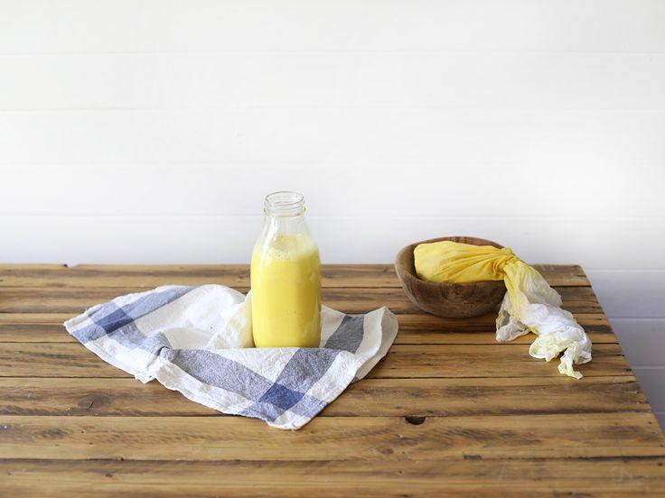 The Slowpoke: TURMERIC MILK // Liver-cleansing and immune-boosting tonic. #health #wellbeing #theslowpoke #almondmilk