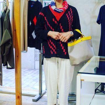 もう一人の方はカーディガン スカーフ インナーの色遊びでコーディネート Thank you f #アラフィフ #アラフィフコーデ #アラフォー #アラフォーコーデ #ニットブランド #アーバンチックス #国領 #調布市 #東京  #knitwear #2017ssfashion #2017fashion #2017spring #urbanchics #tokyo #japan