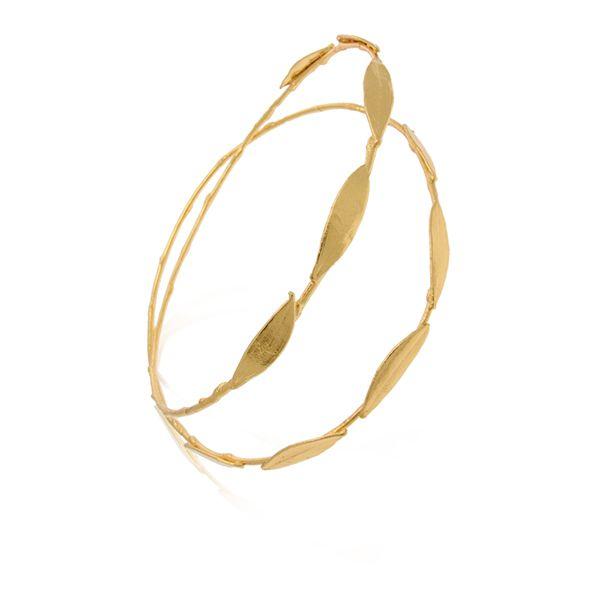 Επιχρυσα στεφανα γαμου απο τη Thallo See more on Love4Weddings http://www.love4weddings.gr/stefana-gamou-epixrisa/