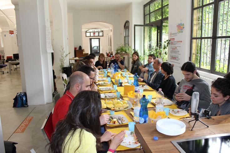 Buona la prima #Ufficiomanifesto #workshop #work #cocreate #create #pausapranzo #cook #cucina
