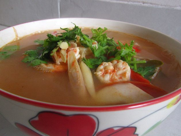 Easy recipe for making Thai tom yum soup - the Thai version of spicy and sour soup!