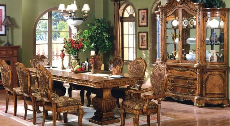 Thanksgiving is just around the corner. Are you a host this year or have been invited to a families or friends dinner table?