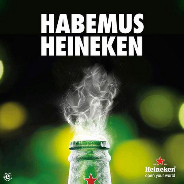 Otro anuncio más que utiliza las noticias o eventos del momento. Hace poco lo hizo Oreo en el Super Bowl cuando se fue la luz. Ahora Heineken España muestra una imagen en relación al anuncio del nuevo Papa Jorge Bergoglio.