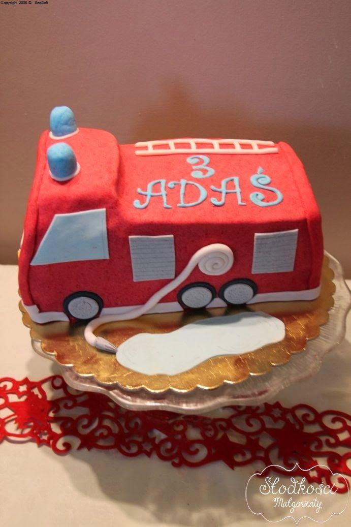Słodkości tworzone z pasją. Dokumentacja mojego hobby - torty, ciasta, ciasteczka, babeczki!: Tort samochód strażacki 3D