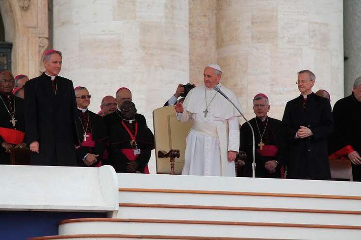 No busquen a Cristo vivo entre las cosas muertas del mundo, exhorta el Papa Francisco