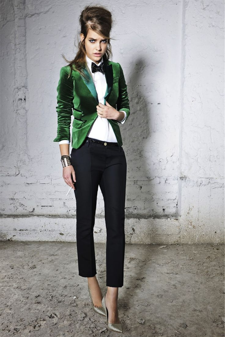 Though I think women who wear bow ties should never appear so grumpy, I like this outfit!