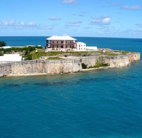 Find The Best Beach Hotels In Bermuda Nestled Among Island S Limestone Cliffs
