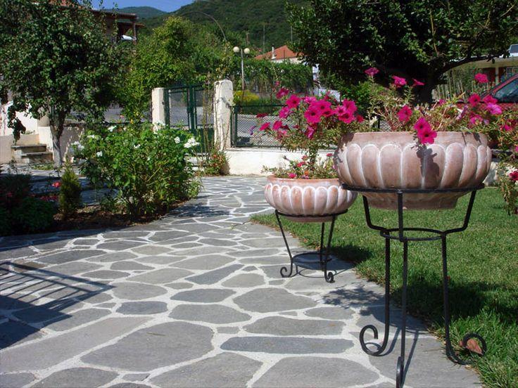 Polygonal slate Kavala Large - PiatraOnline.ro #garden #alley #naturalstone #design #ideas #piatraonline