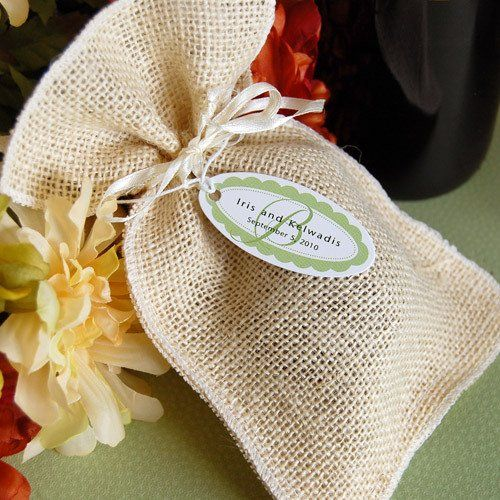 These eco-chic natural burlap favor pouches are perfect for farm-themed weddings and all eco-friendly events. More like fine linen than potato sacks, these natural fiber bags are simple yet beautiful and come complete with a satin drawstring.