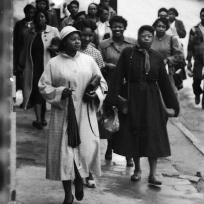 dom walkers montgomery bus boycott to boycott dom walkers montgomery bus boycott 1955 1956 to boycott segregated buses the women s political council led by jo ann robinson
