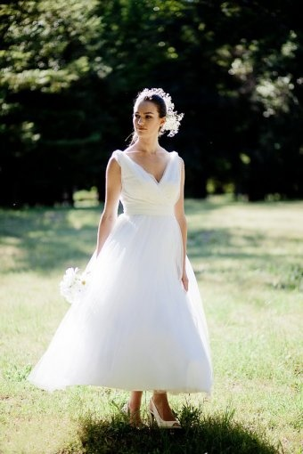 Organza wedding dresses simple weddings and ankle length for Simple ankle length wedding dresses