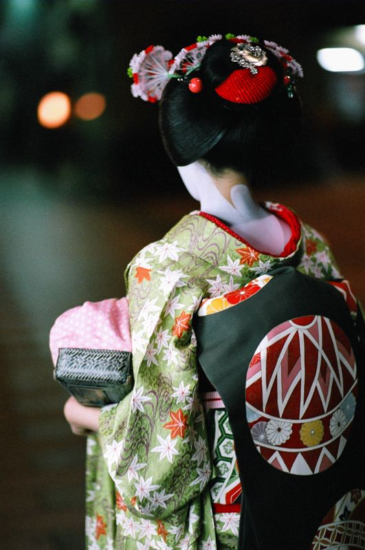 Maiko's kimono  --------- #japan #japanese #maiko