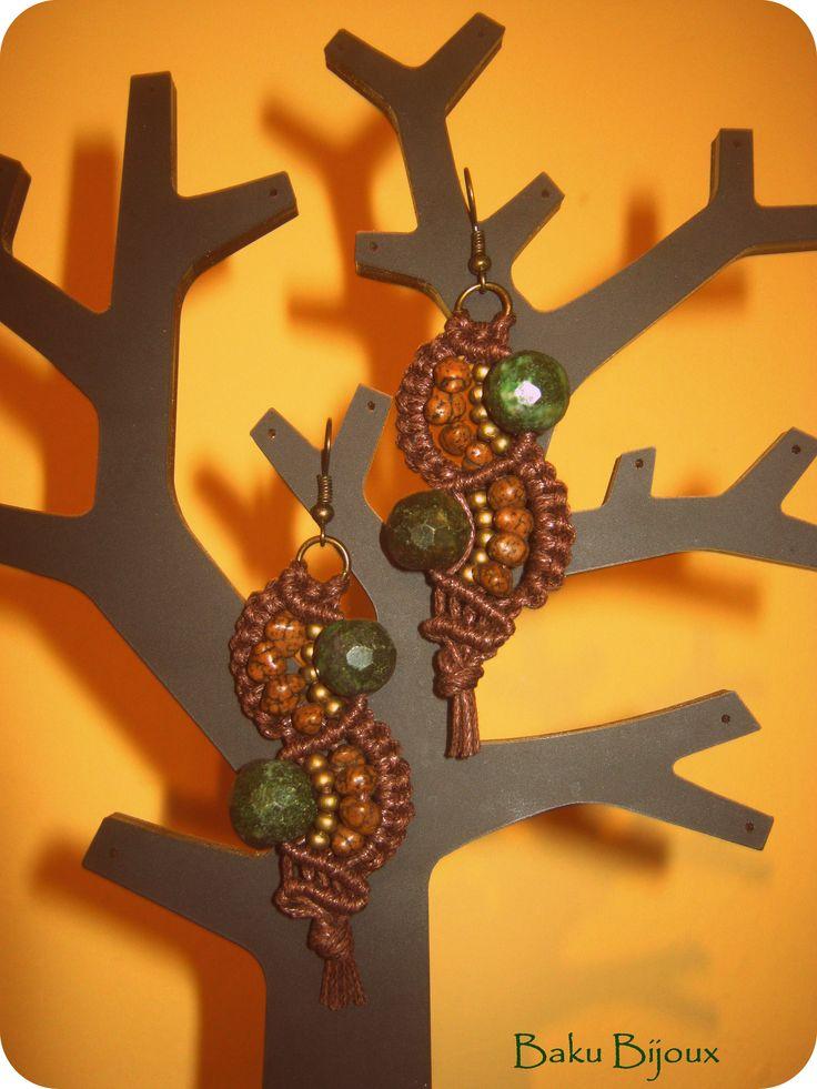 Autumn Winter Collection 2014 ღ   ღ Materiale: Cotone cerato, pietre semipreziose, perline  ღ Lavorazione: Macramè
