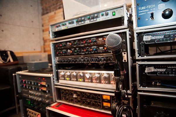 【バンタンデザイン研究所】サウンドコース★スタジオにてアーティストのレコーディングを生体験!