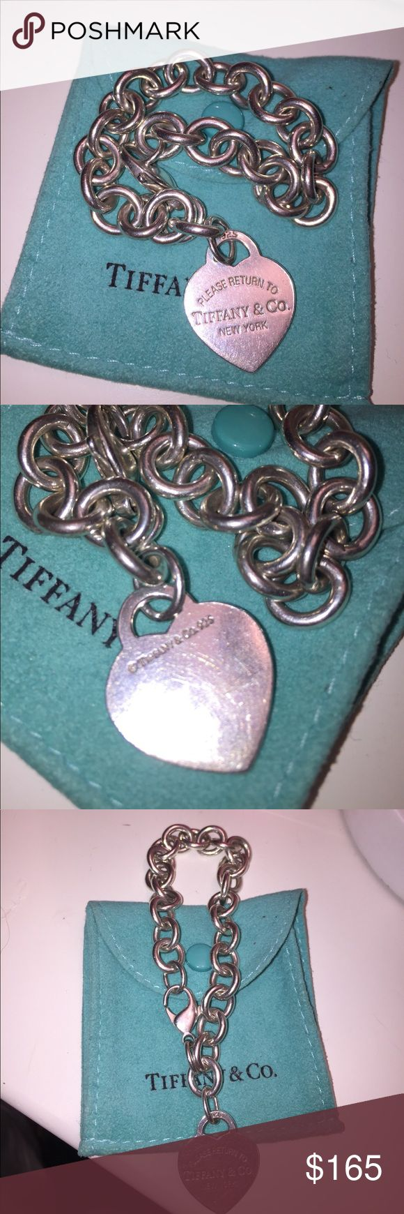 Tiffany and Co. Charm bracelet with heart Sterling silver charm bracelet links with return to Tiffany and Co. Engraved heart Tiffany & Co. Jewelry Bracelets