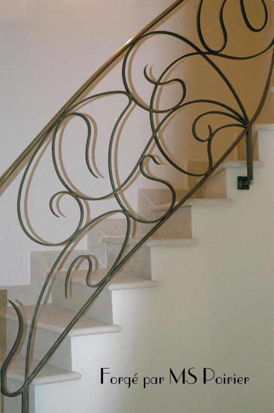 Rampe d'escalier en fer forgé du XXème siècle
