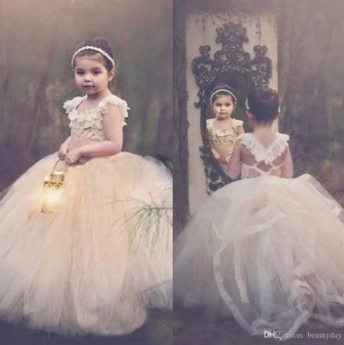 2018 Ball Gown Lace Flower Girls' Dresses Champagne Tutu Cheap Cap Sleeve Cross Back Puffy Little Girls Kid First Communion Dresses
