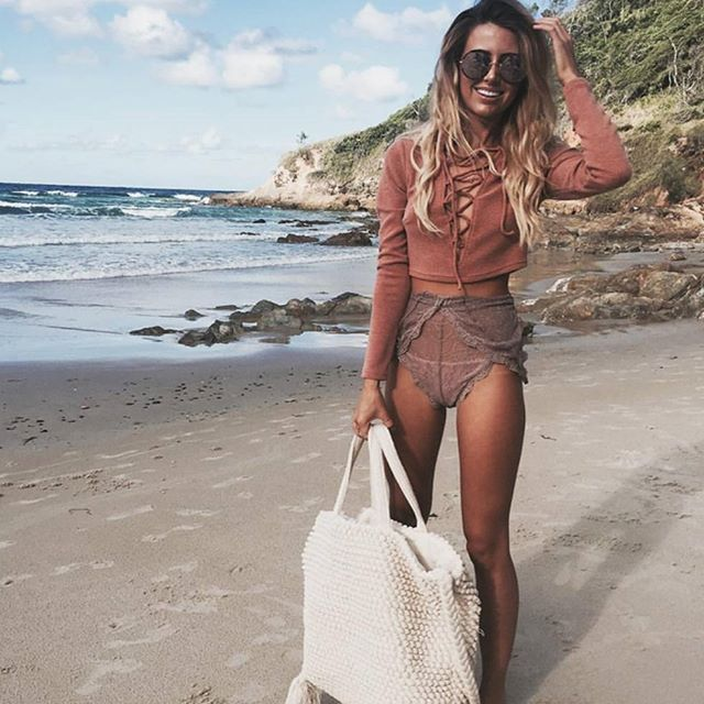 Best dressed on the beach goes to  @savannahmorrow in her Rose Gold YETTIs  cred @saboskirt  #sundaysomewhere Shop link in bio.