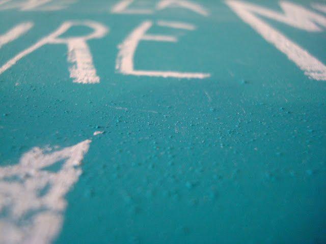 DIY : Comment faire de la peinture ardoise (et dans toutes les couleurs qu'on veut)