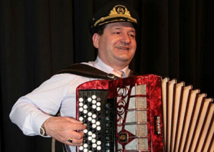 MUSIKBAND SURPRIS Musikband und Tamada aus Eppingen in Baden-Württemberg