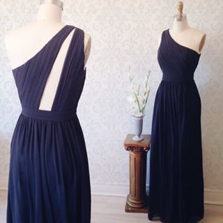 Robe longue asymétrique voile bleu acier - Navy blue pleated veil one-shoulder maxi dress