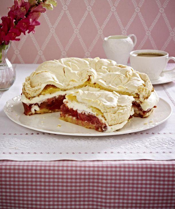 Unser beliebtes Rezept für Erdbeer-Rhabarber-Torte mit Baiser und mehr als 55.000 weitere kostenlose Rezepte auf LECKER.de.