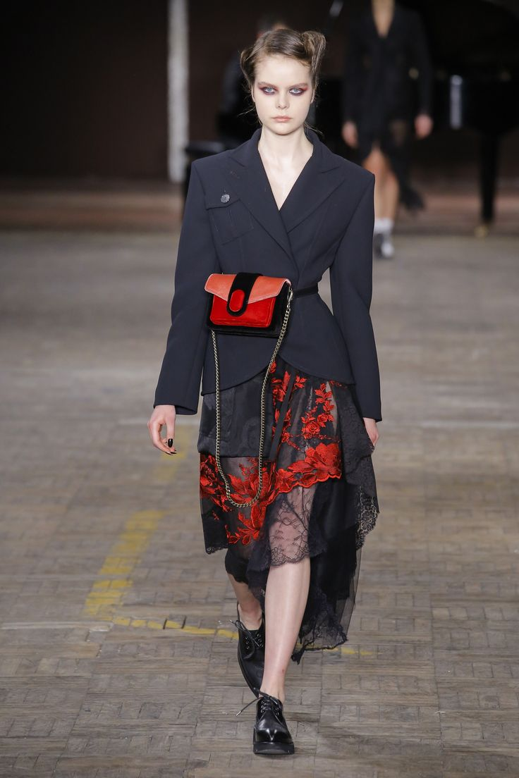 The complete Antonio Marras Fall 2018 Ready-to-Wear fashion show now on Vogue Runway.