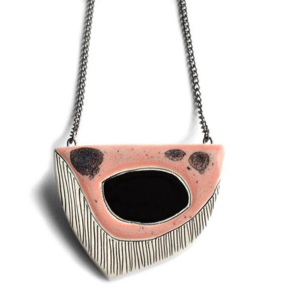 """!! LOOOOVE this, buy it now !!! (""""Collana in ceramica gioielli dichiarazione peach di islaclay"""")"""