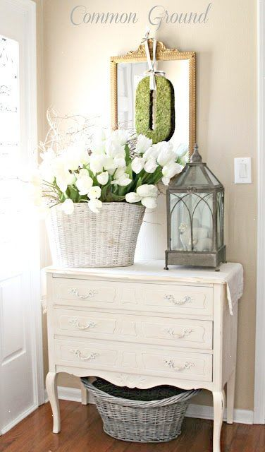 Spring entry arrangement with two great baskets foyer Pinterest