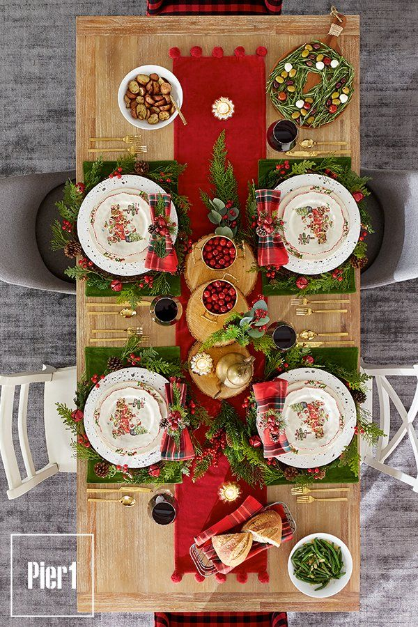 You Re Sharing More Than A Special Occasion It S Your Annual Holiday All Out Feas Christmas Entertaining Decor Christmas Table Settings Christmas Entertaining