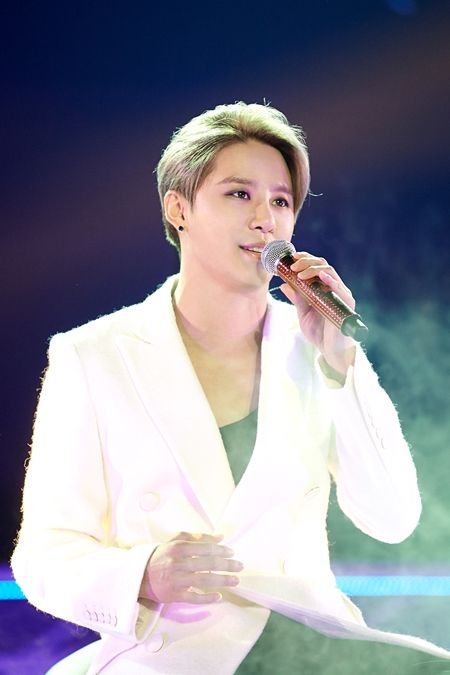 JYJ 김준수 연말콘서트, 티켓 오픈 15분만에 '전석 매진' | Daum 연예