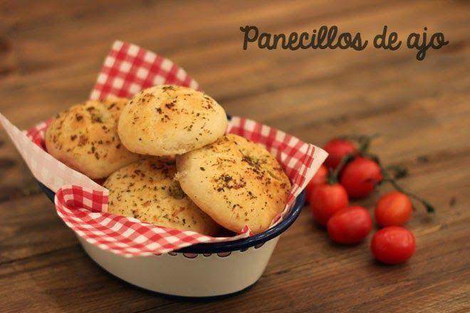Como hacer pan casero fácil: en este caso, panecillos de ajo. ¡Qué ricos!