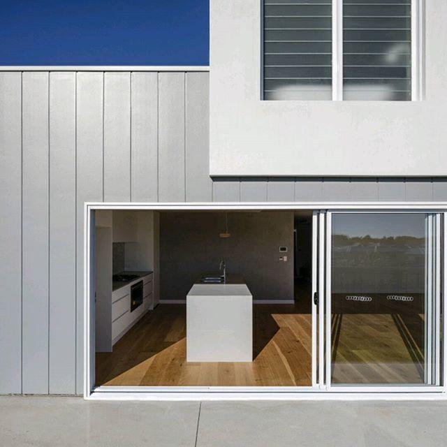 S N E A K - P E A K No.1  Our recently completed concept home. Open home coming soon.  #DLC #design #construct #architecture #building #newhome #interiordesign #build #archdaily #queenslandarchitecture #caeserstone #openhouse # home #house @australian_architecture @caesarstoneau @architecture_hunter @archilovers @auhaus @scyonwalls #jameshardie  Amazing @lucasmurophotographer