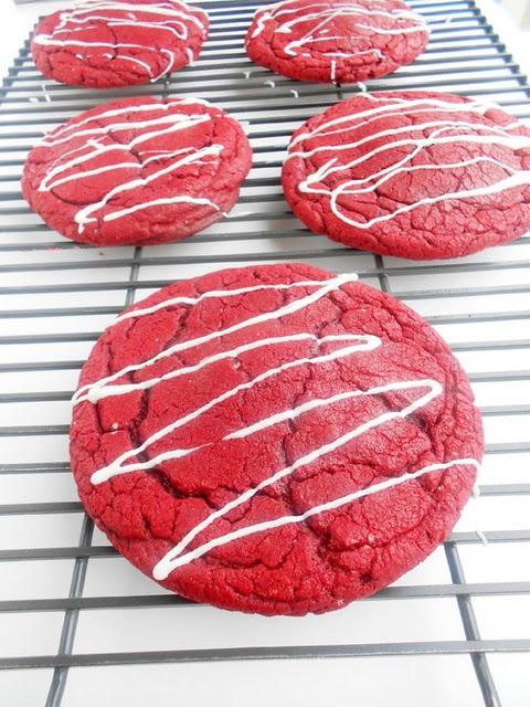 red velvet cheesecake cookies!