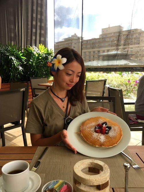トランプインターナショナル 陰陽カフェ ラグジュアリーなトランプさんのホテル内の カフェでブレックフ