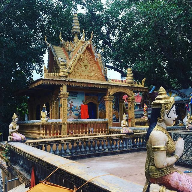 Hey Cambodia ! I'm back !  #cambodia #cambodge #wat #travel #paris #khmer #pailin #travelblogger #frenchblogger #french #sunsee #blog #blogging #lifestyle #asie #asia #instatravel
