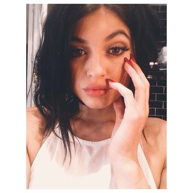 Kylie Jenner with Pouty Lips Heads to the Salon