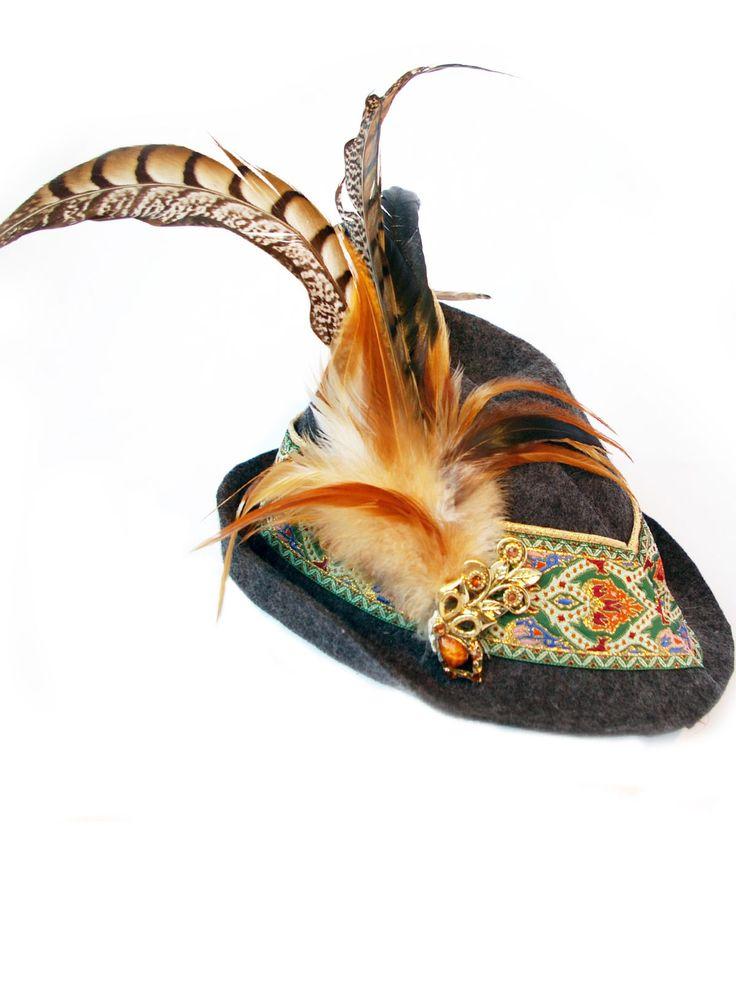 Ella Trachtenhüte