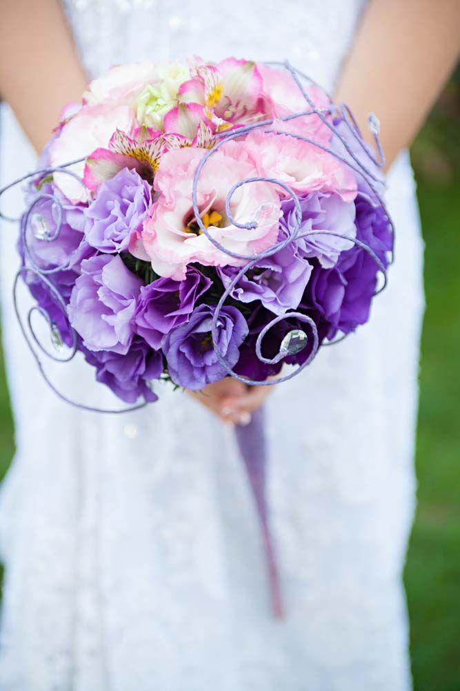 Menyasszonyi csokor lila. Lilac wedding bouqet.