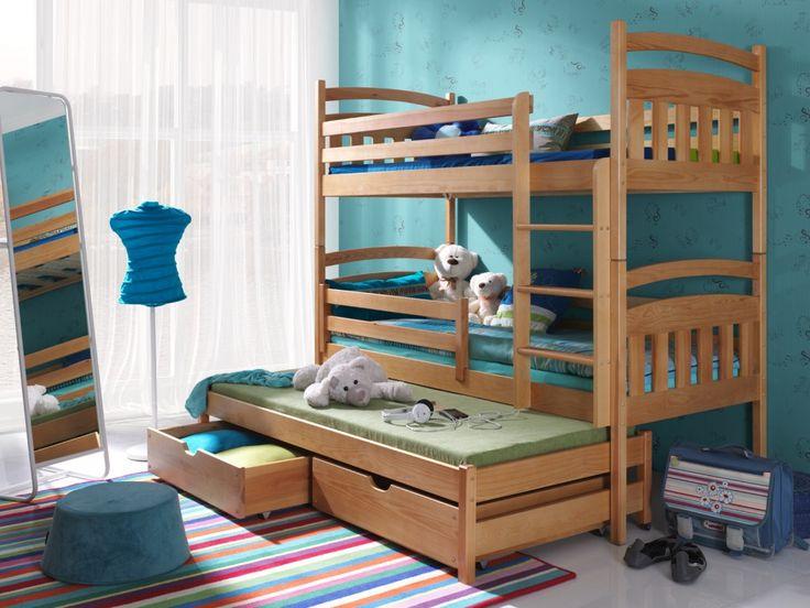 Följande ingår i denna säng: Sidoskydd – ingår Förvaringslådor– ingår Madrasser -ingår Om du behöver spara utrymme i ditt barns rum så är en våningssäng en idealisk lösning. En mycket praktiskt våningssäng för två eller tre barn. Den modell inkluderar två sänglådor, perfekt för förvaring. Passar utmärkt i barnrummet. Skyddsräcket är avtagbart nertill. Mått: Madrassens …