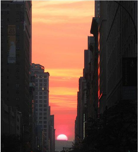 Return of the #Manhattan #Henge - make sure you check it out this amazing phenomenon if you are in NYC on July 11 in-case you missed it on May 30